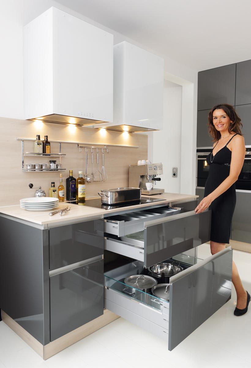 уникальный плинтус ящик в кухонной мебели Nolte кухни мебель