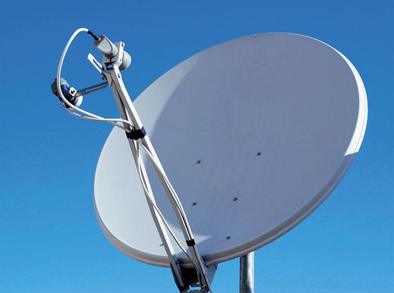 Спутниковая тарелка - доступ ко Всемирной паутине, если коттедж находится вдали от цивилизации