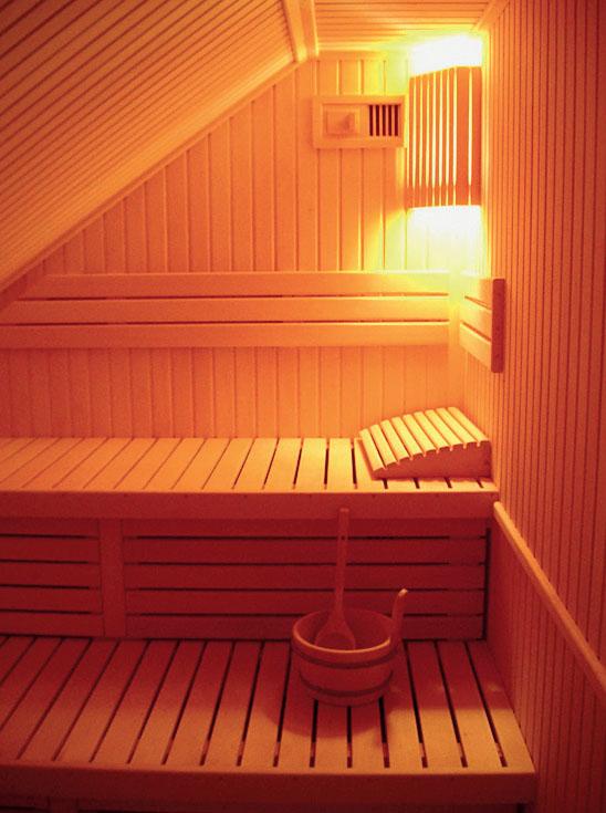 Как сделать в бани лежанку для