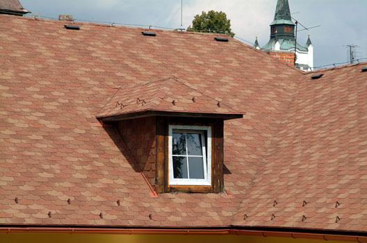 крыши из битумной черепицы фото