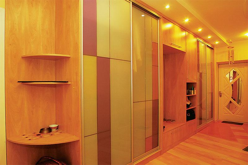Шкаф купе в узкий коридор дизайн