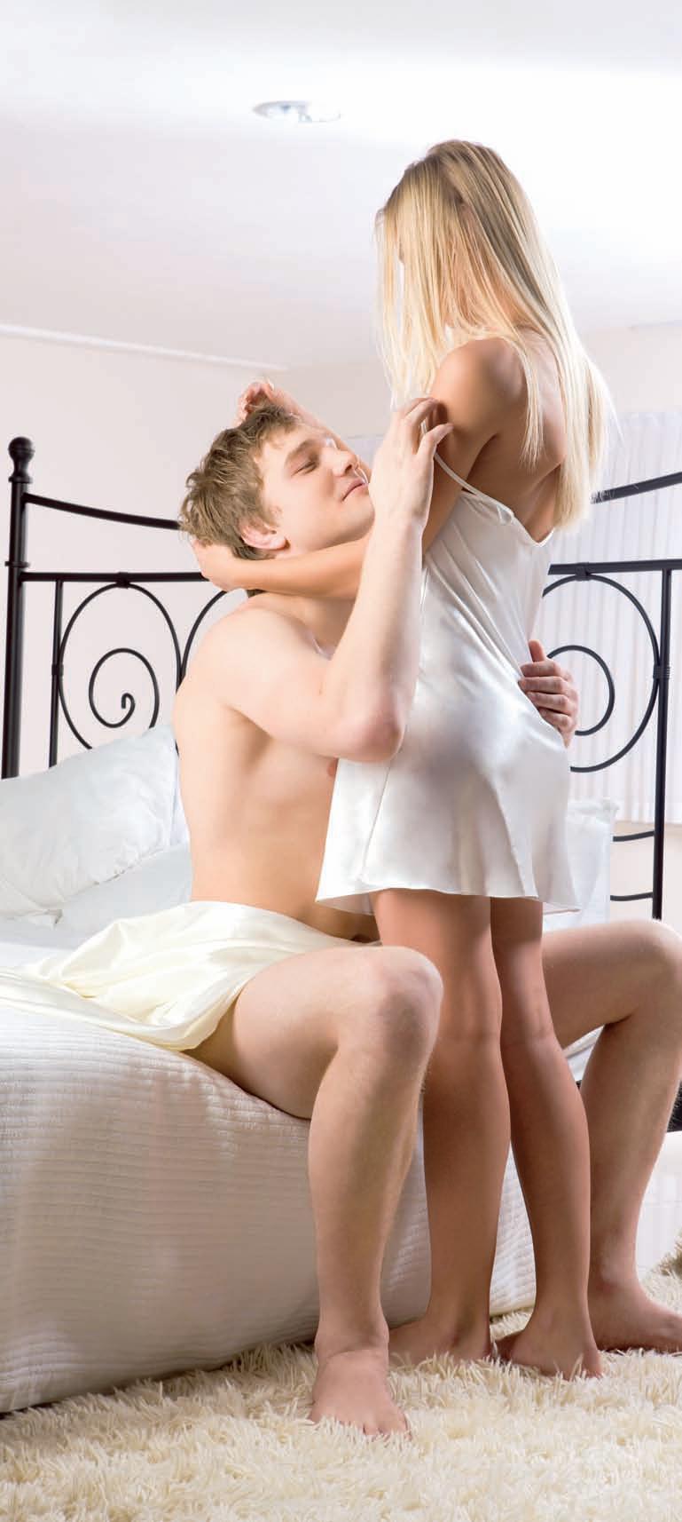 Хороший семейный секс в спальне